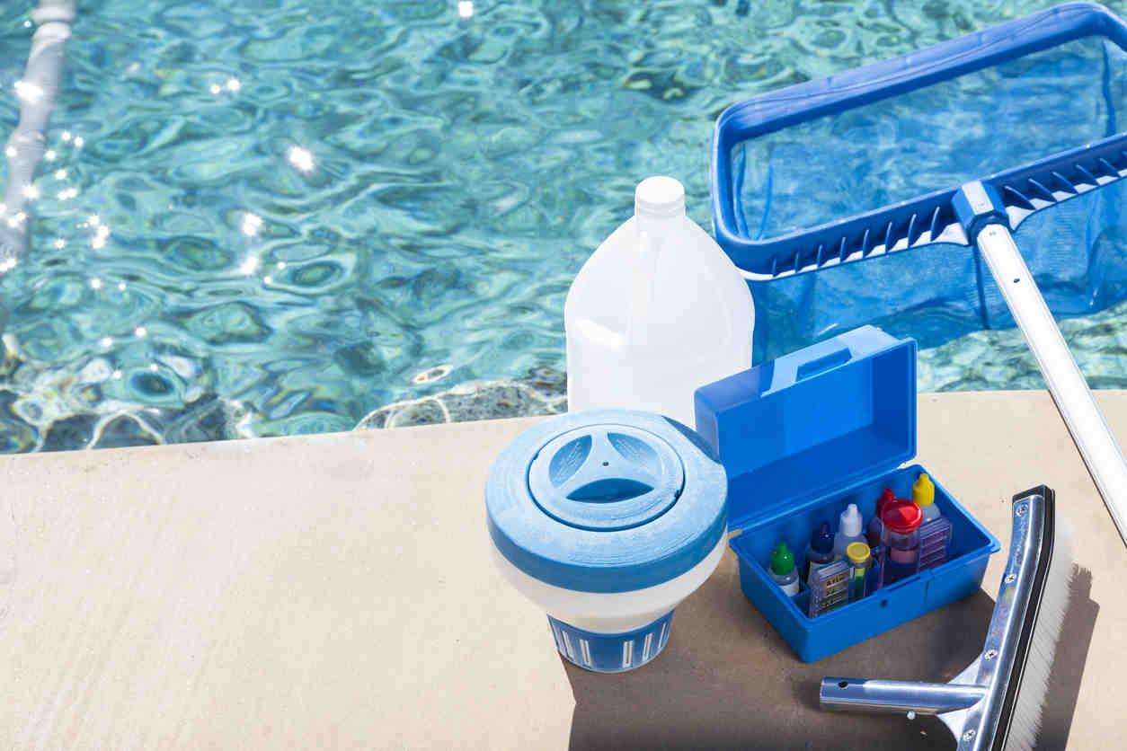 nettoyer piscine depot fond