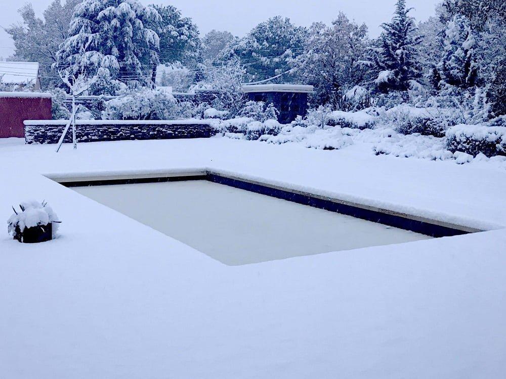 pourquoi proceder hivernage piscine